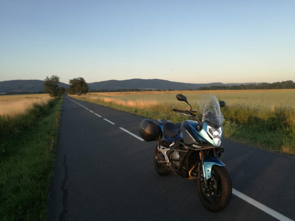 Cestování na motorce