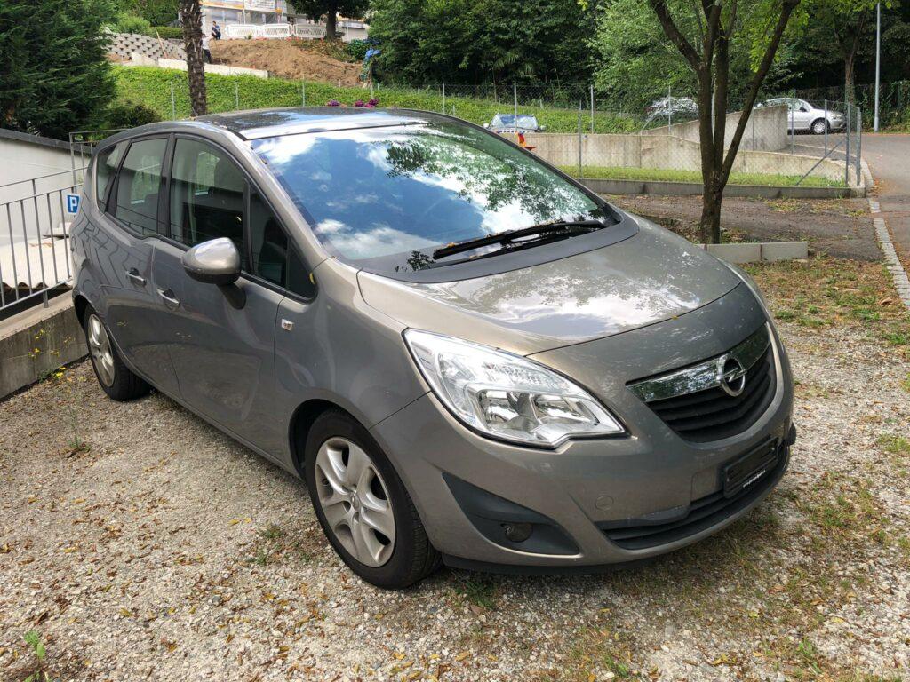 Opel Meriva před dovozem ve Švýcarsku